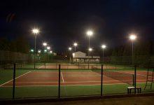 Pistas de tenis, imagen nocturna exterior