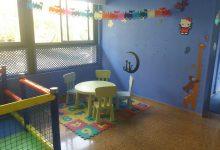 Zona de juegos infantil mesa para niños