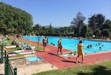Piscina olímpica, ambiente de verano